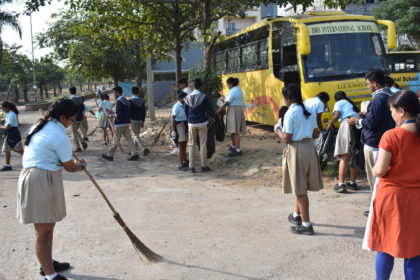 CLEANLINESS DRIVE IN DRSIS (1)