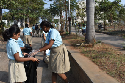 CLEANLINESS DRIVE IN DRSIS (2)